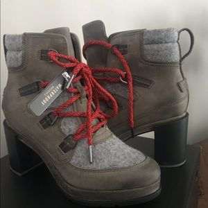 Sorel blake lace boot